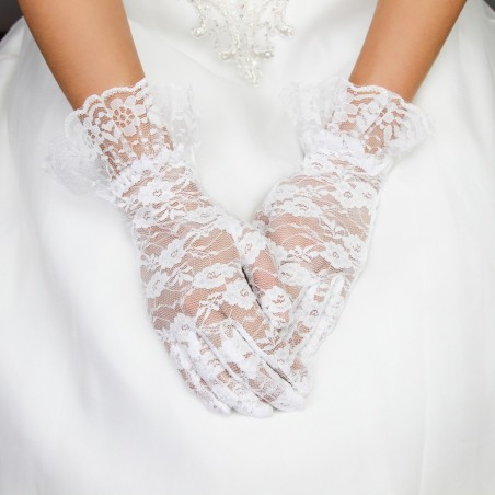 Polished Lace Gloves in White