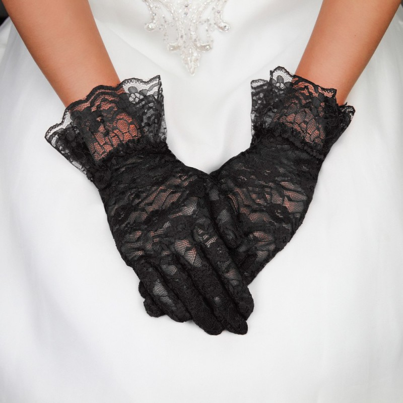 Polished Lace Gloves in Black